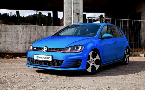ap_VW_Golf_VII_GTI_001-low